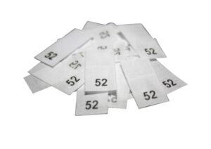 25 Textiletiketten - Größe 52 auf Mischband