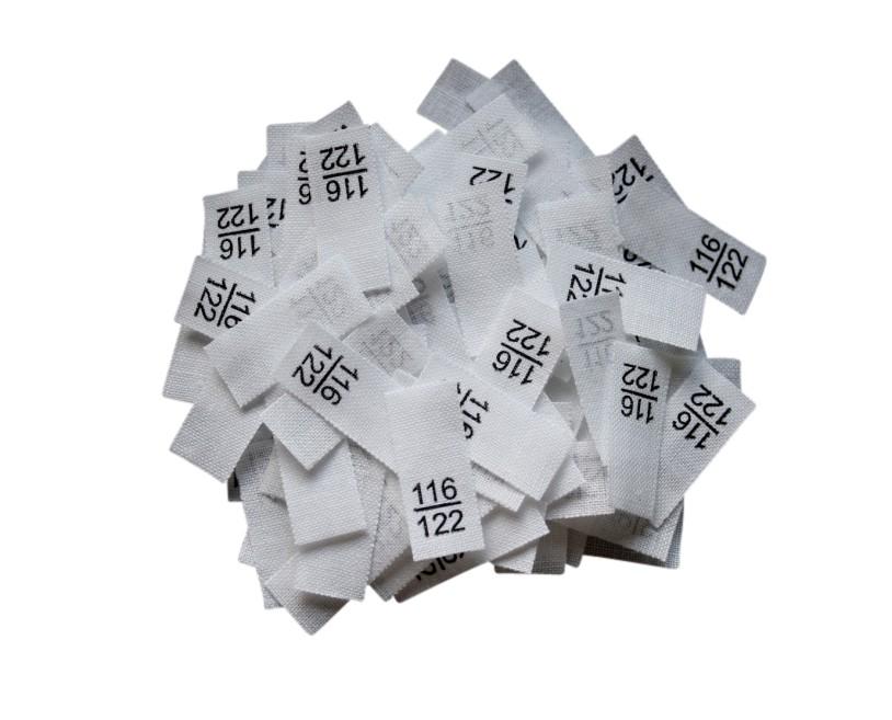 25 Textiletiketten - Größe 116/122 auf Mischband