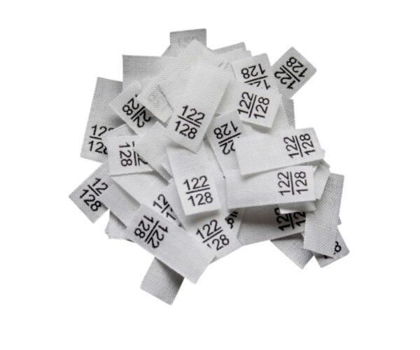 25 Textiletiketten - Größe 122/128 auf Mischband