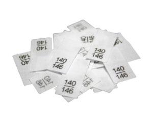 25 Textiletiketten - Größe 140/146 auf Mischband