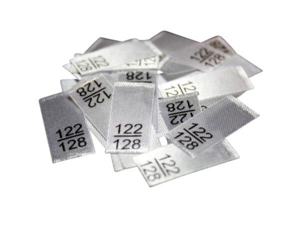 25 Textiletiketten - Größe 122/128