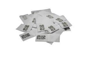 25 Textiletiketten - Größe 56/62 auf Mischband