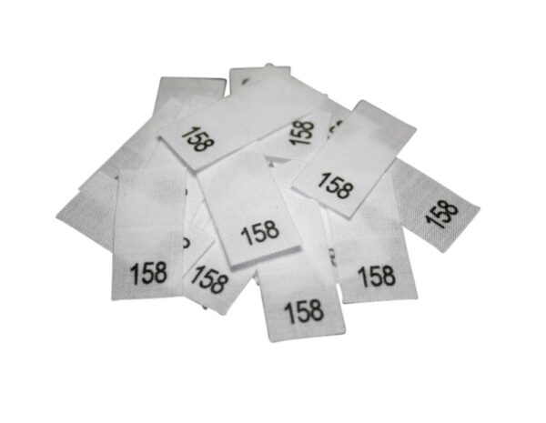 25 Textiletiketten - Größe 158 auf Mischband
